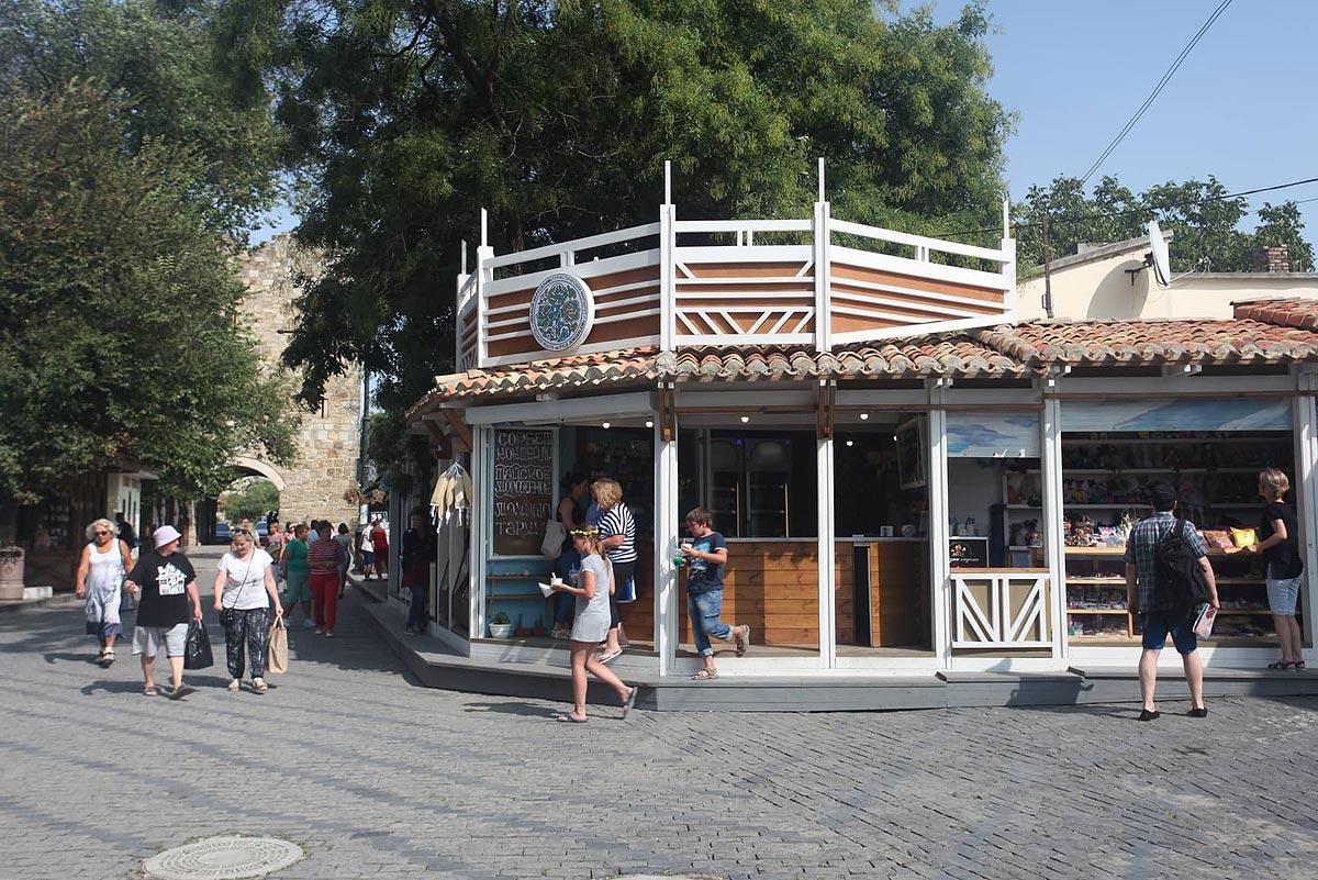 Историческая реновация торгово-ремесленной инфраструктуры Старого города. Концепция и воплощение Алексея Комова